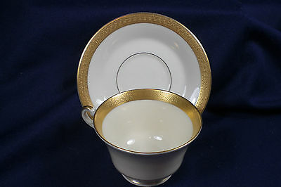 SYRACUSE CHINA OLD IVORY BRACELET CUP & SAUCER HEAVY GOLD