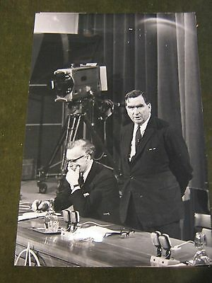 Original Pressefoto 24x18 cm von1968-Nato Meeting,Brüssel-Denis Healey