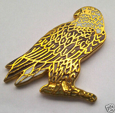 *** EAGLE PERCHED *** Hat Pin P12208 EE