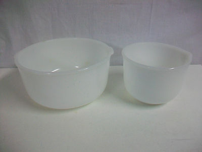 Lot 2 Glasbake Made for Sunbeam White Milk Glass Mixing Bowls 19 20 CJ