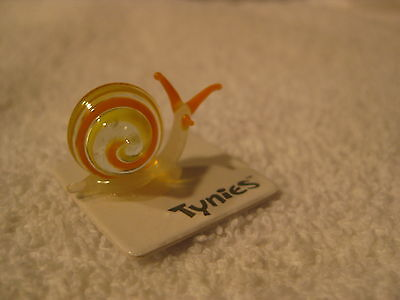 POKE Snail YELLOW TYNIES Tiny Glass Figure Figurines Collectibles NEW 0086
