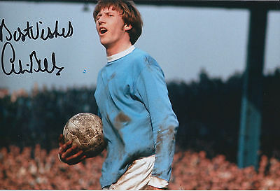 Colin BELL SIGNED 12x8 Photo AFTAL COA Autograph Man City King of the KIPPAX