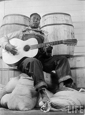 Lead Belly 8X10 Glossy Photo Picture
