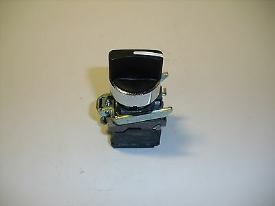 SCHNEIDER ELECTRIC 3 POSITION BLACK SWITCH W/ 2 ZBE-101 CONTACTS