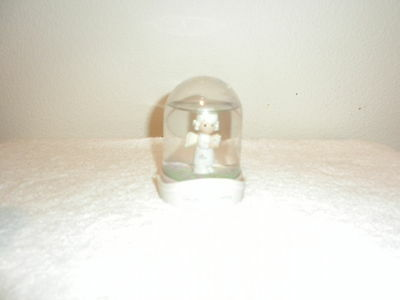 1991 ANGEL OF MERCY SNOWGLOBE THE ENESCO PRECIOUS MOMENTS COLLECTION