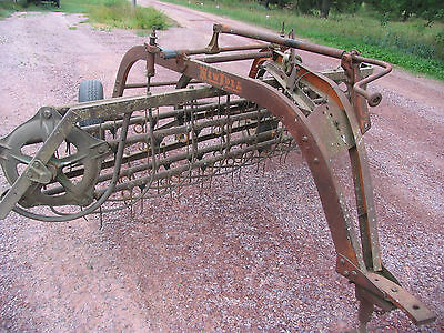 New Idea Pull Type Hay Rake Ground Drive