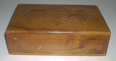 Vintage Hardwood Wooden Box with Beautiful Grain & Intaglio Designs on Lid