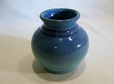 "North Dakota Rosemeade Pottery Shaded Blue 4"" Low Vase"