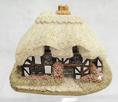 Lilliput Lane April Cottage House Figurine 1984 Thatched Roof Pink Bushes Chip