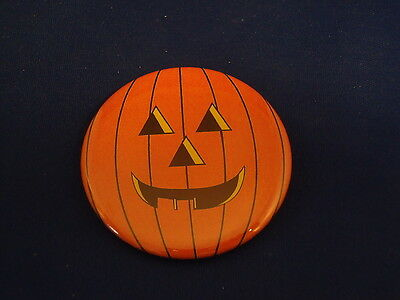 HAPPY HALLOWEEN Lot of 5 BUTTONS pins badges Spooky BIG