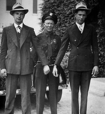 1927 Fullerton, Ca Police Photo, Policeman W/ Bank Robbers In Custody