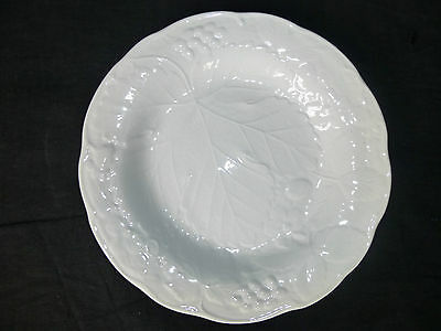 BURLEIGHWARE,after DAVENPORT,White Majolica Strawberry Leaf & Grape Salad Plate