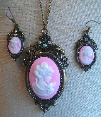 FAUX CAMEO NECKLACE & EARRING Set BRONZETONE RHINESTONE PINK
