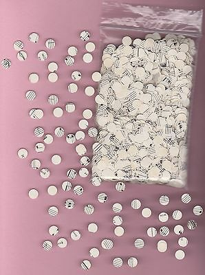 Confetti / Table Decoration circle shaped hand made from vintage sheet music