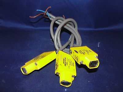 Banner Mini-Beam SM2A312CVG Photoelectric Sensor Lot of 3