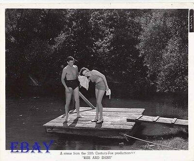 George Murphy barechested, Lina Darnell VINTAGE Photo Rise And Shine