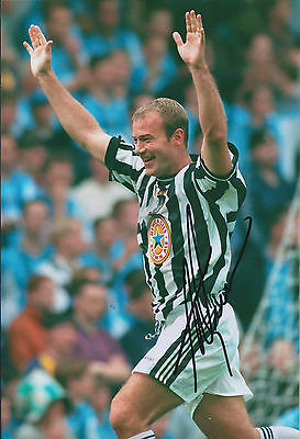 Alan SHEARER Signed Autograph 12x8 Photo AFTAL COA Newcastle United Toon Legend
