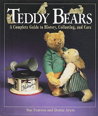 Antique Teddy Bears - History Collecting Care (670 Captioned Photographs) / Book