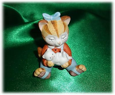 ADORABLE ORANGE & YELLOW CERAMIC GIRL CAT HOLDING KITTEN 1993 BC FIGURINE