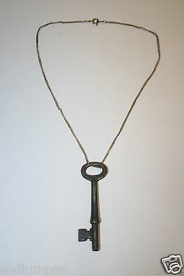WOW Beautiful Old Vintage Antique Skeleton Key & Metal Necklace Steampunk