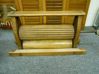 ANTIQUE PRIMITIVE LAUNDRY WOOD WRINGER WITH ROLLERS
