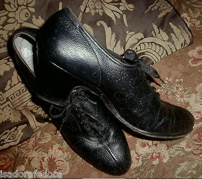 """GOTHIC Granny Lace Up 1940s Black Leather Nuns Shoes,Punchwork,2"""" Heel, 6 1/2 VG"""