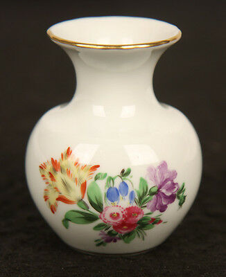 HEREND HUNGARY PORCELAIN HANDPAINTED SMALL BUD VASE QUEEN VICTORIA FLORAL GOLD