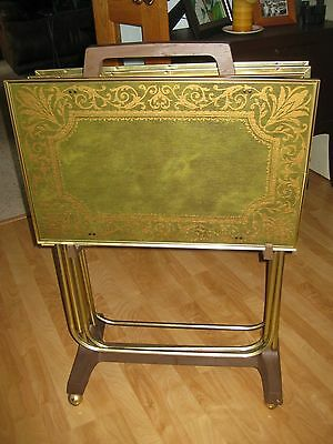 SET OF MINT VINTAGE 1970 TV TRAYS  WITH STAND & GREEN RETRO GRAPHICS