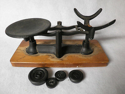 Antique Primitive Cast Iron Scale   #146  With Four Weights    Home Decor