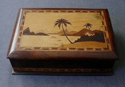 ANTIQUE LARGE DECORATED PALM TREES LANDSCAPE MARQUETRY WOODEN POCKER CHIPS BOX