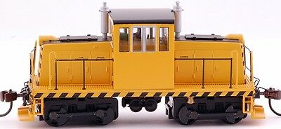 Bachmann HO Scale Train GE 45-Ton Switcher DCC Equipped Yellow with Black 85201