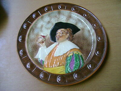 FALCON WARE  [WEATHERYS]   DECORATIVE PLATE OF A CAVALIER   HAND PAINTED