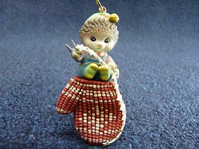 Enesco Chipmunk Crafting Mitten Christmas Ornament (o1902)