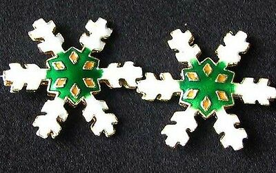 TWO Green CLOISONNE Snowflake CENTERPIECE Beads 8638C