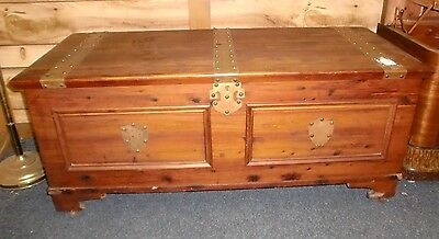 Cedar Chest with Riveted Metal Bands Blanket Box (LOCK REMOVED) for safety