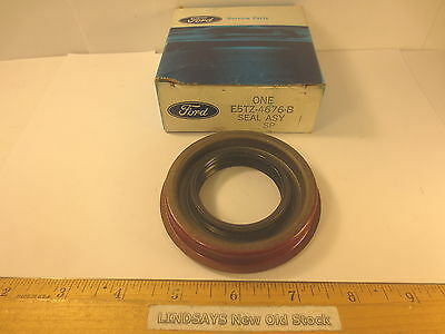 """FORD 1980/96 F100/350 TRUCK, BRONCO """"SEAL ASY"""" REAR AXLE DRIVING PINION OIL NOS"""