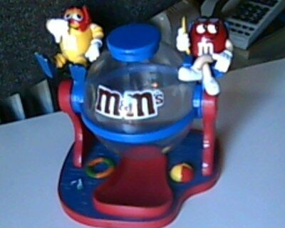 Collactable M&M's Lifeguards At the Beach Candy Dispenser