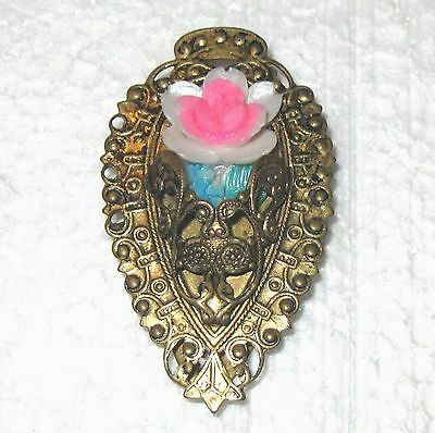 Ornate metal dress clip with pink plastic flower B52
