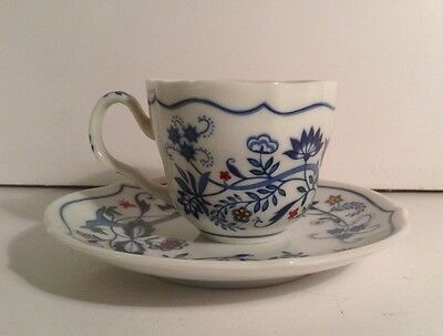 Avon Teacup & Saucer The Netherlands Blue Onion Demitasse '84 European Tradition