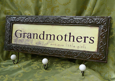 Grandmothers = antique little girls Garderobe 0954693-Ba