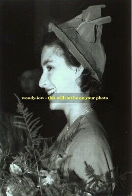 mm85 - Young Princess Margaret - Royalty photo 6x4