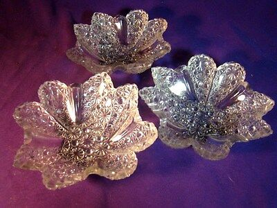 3 EAPG ELLROSE PANELLED DAISY BUTTON BERRY BOWLS