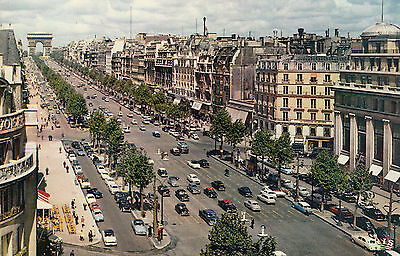 Carte Postale - Paris / L`Avenue des Champs-Elysèes