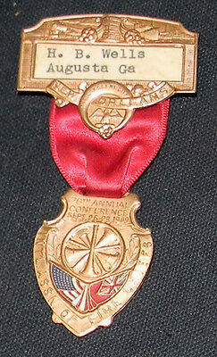 1949 International Asso FIRE CHIEF Convention Badge New Orleans Collectors L@@K