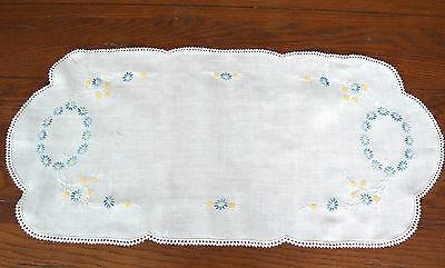 VINTAGE 1940s HAND EMBROIDERED RUNNER BLUE & GOLD FLORALS FRENCH KNOTTING DAISY
