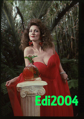 LYNDA CARTER Vintage Original 2X2 Color Transparency Slide SEXY & BUSTY 1991