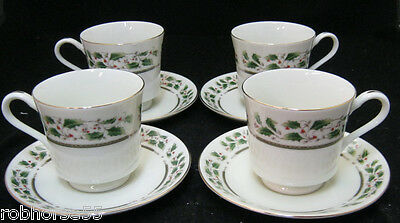 Royal Limited HOLLY HOLIDAY 4 Cup & Saucer Sets Japan Christmas Dinnerware EC