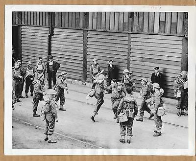 1940 BEF British Soldiers Dancing Prior to Going to France Original Press Photo