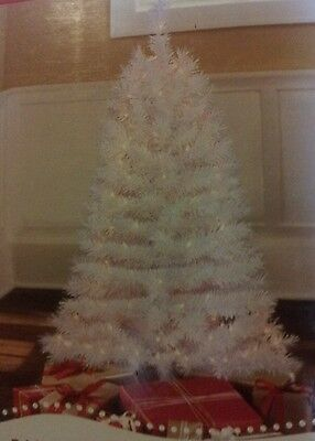 NEW 4 FT PRE LIT WHITE INDIANA SPRUCE CHRISTMAS TREE 173 TIPS 150 CLEAR LIGHTS
