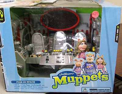 JIM HENSEN'S THE MUPPETS PIGS IN SPACE PLAYSET with MISS PIGGY NEW IN BOX
